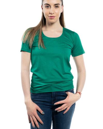 Класическа блуза с кръгло деколте цвят: petrol Подходяща за ежедневни и делови срещи Състав: вискоза 95%, еластан 5%