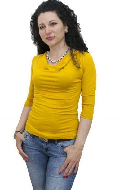 Блуза с гръцко деколте горчица