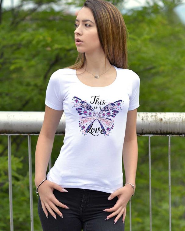 Дамска тениска цветна пеперуда