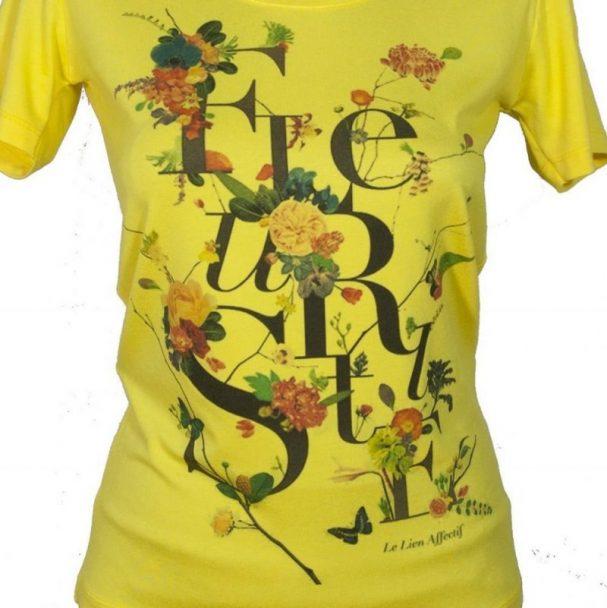 блуза с букву и цветя