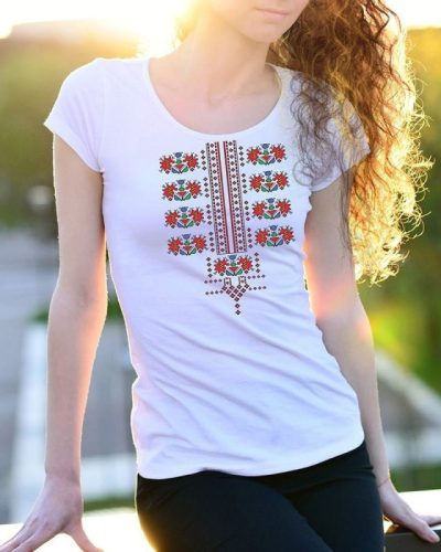 Блузи с български шевици