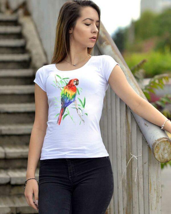 Дамска тениска с рисуван папагал