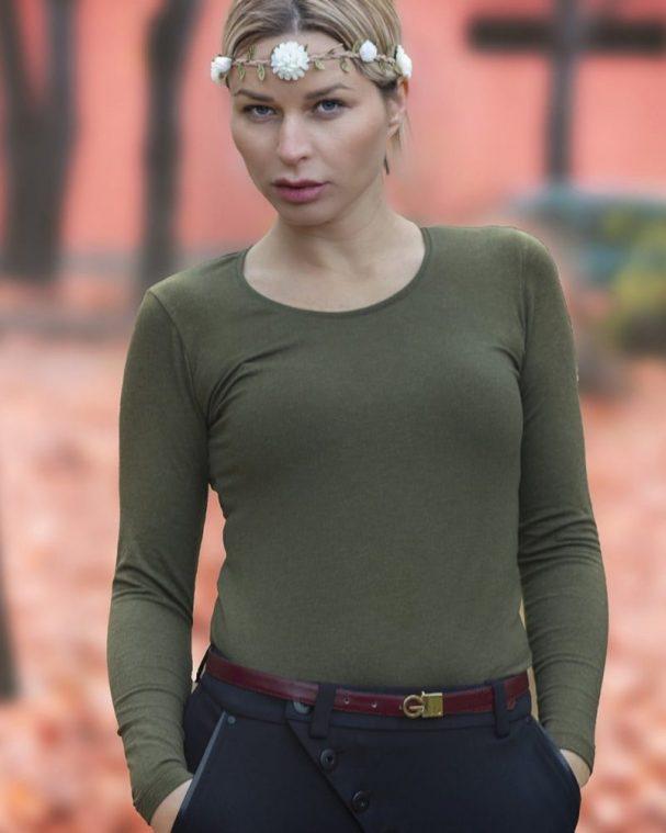 Дамска блуза с ангора маслинов цвят