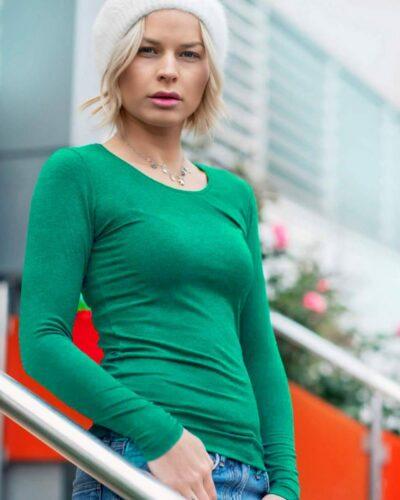 Дамска блуза с ангора цвят коледно зелено
