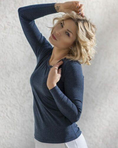 Дамска блуза с ангора тъмно син цвят