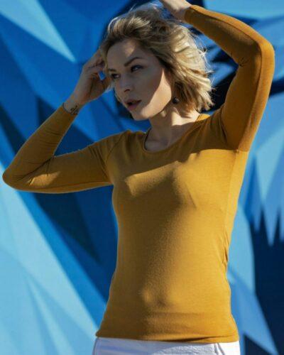 Дамска блуза с ангора цвят горчица