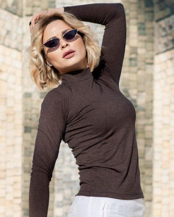 Дамско полуполо с ангора кафяв цвят