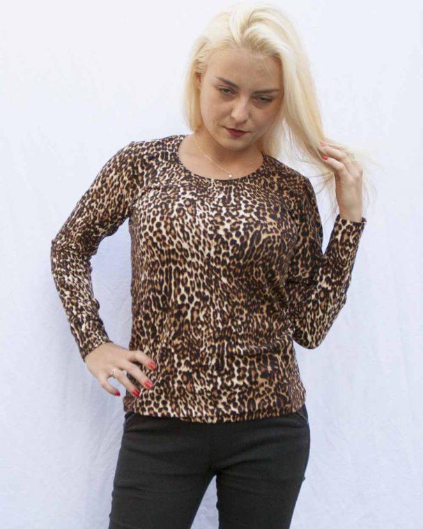 Леопардова блуза с ангора