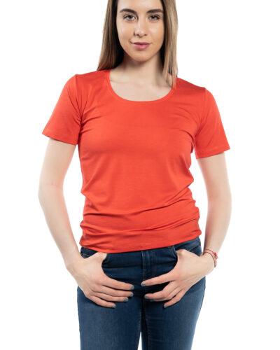 Класическа блуза с кръгло деколте
